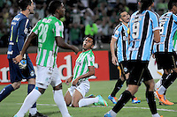 MEDELLIN -COLOMBIA. 02-04-2014. Jefferson Duque jugador de Nacional reacciona durante el partido de vuelta entre Atletico Nacional  de Colombia y Gremio de Brasil  por la primera fase, grupo 6, de La Copa Bridgestone Libertadores de America  2014 disputado en el estadio Atanasio Girardot / Jefferson Duque player of Nacional reacts during the second leg match between Atletico Nacional  of Colombia and Gremio de Brasil  for the first phase, G6, of the Copa Libertadores de America Bridgestone 2014 played at Atanasio Girardot   stadium . Photo: VizzorImage / Luis Rios  / Stringer