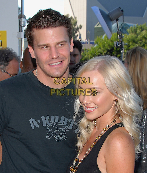 DAVID BOREANAZ & GUEST.At The 2006 Teen Choice Awards - Arrivals, .held at The Universal Ampitheatre in Universal City, California, USA, August 20th 2006..half length.Ref: DVS.www.capitalpictures.com.sales@capitalpictures.com.©Debbie VanStory/Capital Pictures