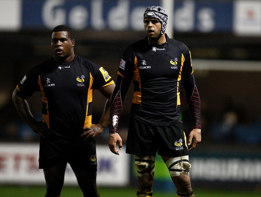Photo: Richard Lane/Richard Lane Photography. Cardiff Blues v London Wasps. LV= Cup. 09/11/2012. Wasps' Simon McIntyre and Marco Wentzel.