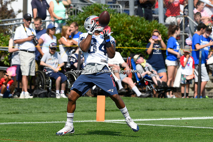 July 25, 2014 - Foxborough, Massachusetts, U.S.- New England Patriots running back Shane Vereen (34) makes a catch during the New England Patriots training camp held at Gillette Stadium in Foxborough Massachusetts.  Eric Canha/CSM