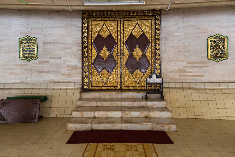 Main Doors of the Great Mosque Masjid Gedhe Kauman & _JAV1355.jpg | Cecil Images