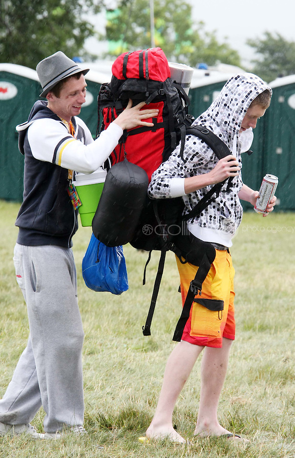 08/07/'10 Fans loading up pictured arriving at Punchestown, Co. Kildare this evening for the start of the Oxegen Festival 2010...Picture Colin Keegan, Collins, Dublin