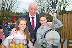 Finuge Seisun : Sarah & Thomas Healy, Ballyheigue pictured with Minister Jimmy Deenihan in Finuge on Sunday evening last.