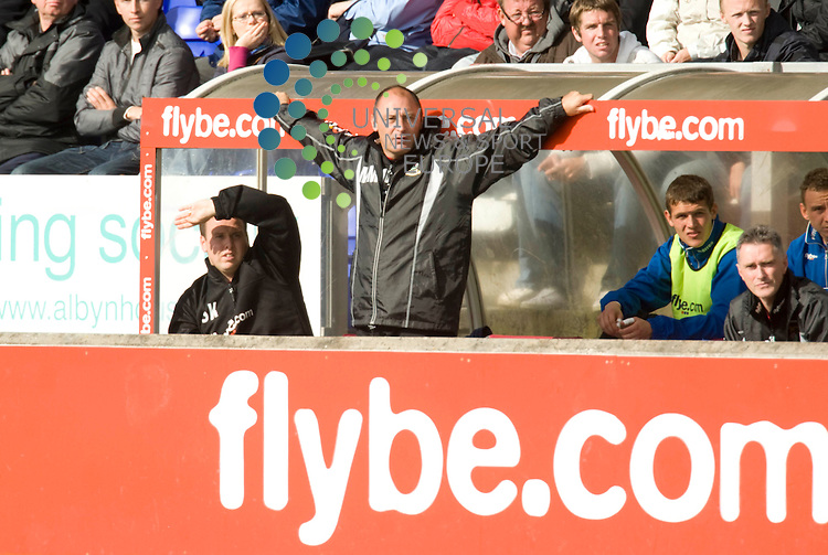 FOOTBALL.Irn Bru league Div 1.Inverness CT v Ross County.(Crucified)Inverness asst Manager Maurice Malpas. Picture:Gordon Gillespie/Universal News And Sport (Scotland) 29 August 2009.