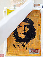 HAVANA-CUBA - 13.10.2016: Obra baseada no famoso retrato de Ernesto Guevara feito por Alberto Korda, a venda na região central de Havana.  (Foto: Bete Marques/Brazil Photo Press)