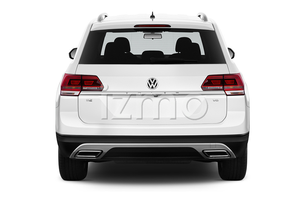 Straight rear view of a 2019 Volkswagen Atlas SE 5 Door SUV stock images
