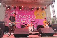OSASCO,SP, 21.11.2015 - OSASCO-CULTURAL - A Banda R&aacute;dio Attack durante apresenta&ccedil;&atilde;o no Palco Concha Ac&uacute;stica no bairro Jardim das Flores regi&atilde;o oeste da cidade na &quot; 1&ordm; Virada Cultural de Osasco &quot; na noite deste s&aacute;bado (21).<br />  ( Foto : Marcio Ribeiro / Brazil Photo Press ).
