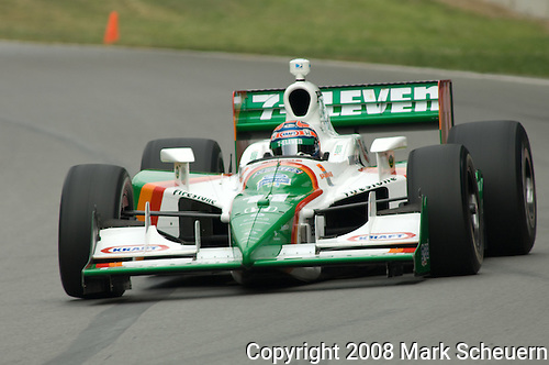 19 July 2008: Tony Kanaan (BRA) at the Honda Indy 200 IndyCar race at the Mid-Ohio Sports Car Course, Lexington, Ohio, USA.