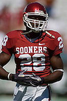 07 October 2006: Oklahoma back Adrian Peterson warms up before the Sooners game against the University of Texas Longhorns at the Cotton Bowl in Dallas, TX.
