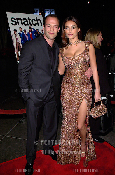 Actor JASON STATHAM & actress KELLY BROOK at the Los Angeles premiere of his new movie Snatch..18JAN2001.  © Paul Smith/Featureflash