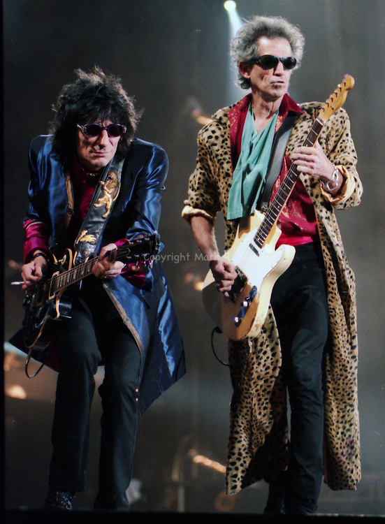Rond Wood & Keith Richards.The Rolling Stones.Veterans Stadium.Philadelphia, PA.Bridges to Babylon.Sun Oct 12,2997