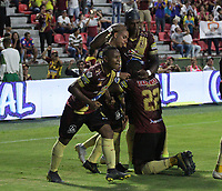 IBAGUÉ- COLOMBIA,2-06-2019:Alex Castro jugador del Deportes Tolima celebra despues de anotar un gol al  Atlético Nacional durante el quinto partido de los cuadrangulares finales de la Liga Águila I 2019 jugado en el estadio Manuel Murillo Toro de la ciudad de Ibagué. /Alex Castro  player of Deportes Tolima celebrates after scoring a goal agaisnt of Atletico Nacional   during the fifht match for the quarter finals B of the Liga Aguila I 2019 played at the Manuel Murillo Toro stadium in Ibague city. Photo: VizzorImage / Felipe Caicedo / Staff