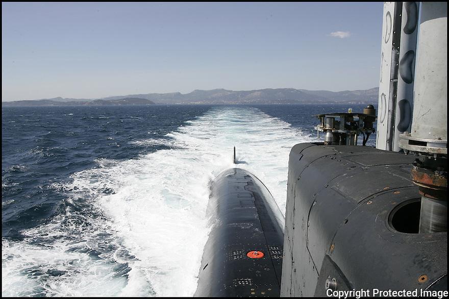 SNA Saphir,<br /> Sous-marin nucl&eacute;aire d'attaque.<br /> Navigation de surface.