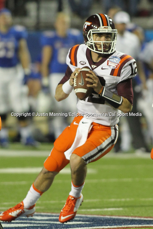 December 26, 2015: Virginia Tech QB Michael Brewer during the 1st half of the Camping World Independence Bowl at Independence Stadium in Shreveport, LA. Justin Manning/ESW/CSM