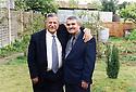 Great-Britain 2002 .<br /> Jalal Talabani and Azad Sagerma in the house of Kosrat Rassul.<br /> Irak 2005.<br /> Jalal Talabani et Azad Sagerma dans le jardin de la maison de Kosrat Rassul