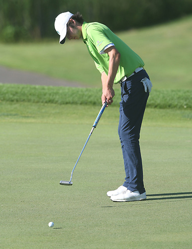 Derek Hitchner just missing a par putt on the 14th green during the 2017 U.S. Amateur Sectional Qualifier at Brackettu0027s Crossing on Wednesday July 5th. : us amateur sectional qualifying - Sectionals, Sofas & Couches