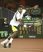 20030919, Zwolle, Davis Cup, NL-India, Prakash Amritraj in his match agains Schalken.