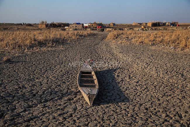 16/12/2015- Chbaish,Iraq- A view of the dry hammer's Marsh. The dry ground used to be a vital marsh, stretching out for hundreds of square kilometers.