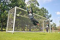 SÃO PAULO, SP, 07 DE JANEIRO DE 2014 - ESPORTES - FUTEBOL - TREINO DA PORTUGUESA - Ton,Durante treino no parque Ecológico do Tietê, preparação para partida entre o Corinthians. FOTOS: DORIVAL ROSA/ BRAZIL PHOTO PRESS