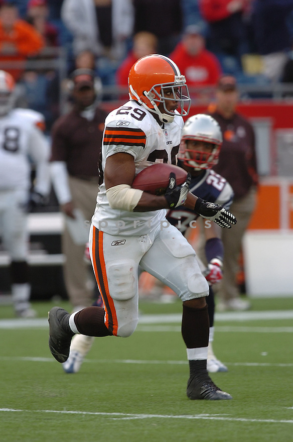 JASON WRIGHT, of the Cleveland Browns in action during the Browns game against the New England Patriots on October 7, 2007 in Foxboro, Massachusetts...PATRIOTS WIN 34-17..SportPics