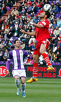 Real Valladolid´s Guerra (l) against Sevilla´s Botia during La Liga match. March 28, 2010. (ALTERPHOTOS/Víctor J Blanco)