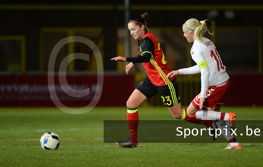 20161128 - TUBIZE ,  BELGIUM : Belgian Elien Van Wynendaele (L) and Danish Pernille Harder (R) pictured during the female soccer game between the Belgian Red Flames and Denmark , a friendly game before the European Championship in The Netherlands 2017  , Monday 28 th November 2016 at Stade Leburton in Tubize , Belgium. PHOTO SPORTPIX.BE | DIRK VUYLSTEKE