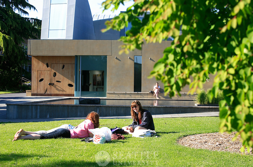 05192011 - Seattle University, Campus Life, Spring Time