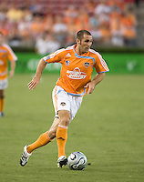 Houston Dynamo midfielder Brian Mullan (9). The Houston Dynamo tied the Columbus Crew 1-1 in a regular season MLS match at Robertson Stadium in Houston, TX on August 25, 2007.