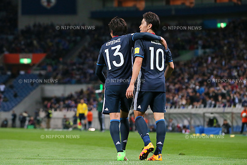 L-R) Hiroshi Kiyotake, Shinji Kagawa (JPN), MARCH 29, 2016 - Football / Soccer : FIFA World Cup Russia 2018 Asian Qualifier Second Round Group E match between Japan 5-0 Syria at Saitama Stadium 2002 in Saitama, Japan. (Photo by Yohei Osada/AFLO SPORT)