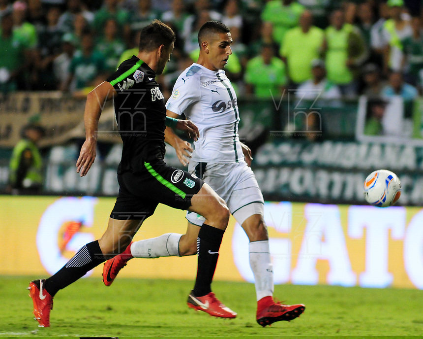 PALMIRA - COLOMBIA, 02-05-2018: Pablo Sabbag (Der) del Deportivo Cali disputa el balón con Diego Braghieri (Izq) de Atlético Nacional durante partido por la fecha 14 de la Liga Águila II 2017 jugado en el estadio Palmaseca de Cali. / Pablo Sabbag (R) player of Deportivo Cali fights for the ball with Diego Braghieri (L) player of Atletico Nacional during match for the date 14 of the Aguila League II 2017 played at Palmaseca stadium in Cali.  Photo: VizzorImage/ Nelson Rios / Cont