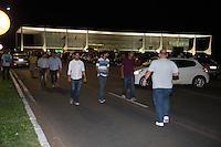 BRASILIA, DF, 16.03.2016 - PLANALTO-MANIFESTAÇÃO- Manifestação em frente ao Palácio do Planalto, contra a nomeação do ex-presidente Lula como ministro do Governo Dilma, nesta quarta-feira, 16.(Foto:Ed Ferreira / Brazil Photo Press)