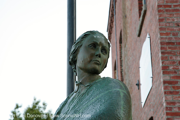 Mill Girl Statue in Manchester, New Hampshire USA..This statue is a dedication to all 19th century working women