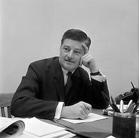 Le ministre  Paul Gérin-Lajoie<br /> , le  11 janvier 1968<br /> <br /> Photo Moderne - Agence Quebec Presse