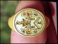 500 year old gold ring could net detectorist £10,000.
