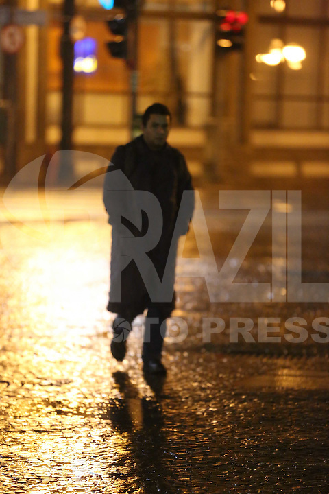 SAO PAULO, SP, 17/05/2012, CHUVA.  A madrugada chuvosa na capital paulista na madrugada de hoje (17). Luiz Guarnieri/ Brazil Photo Press.