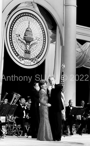 Washington DC, USA<br /> <br /> January 20, 2001..President George W. Bush and first lady Laura Bush attend the Texas Inaugural Ball.
