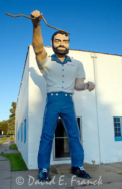 Mr Bendo Muffler Man outside a gas station in Sioux Falls South Dakota