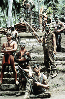 Apocalypse Now (1979) <br /> Scott Glenn &amp; Dennis Hopper<br /> *Filmstill - Editorial Use Only*<br /> CAP/KFS<br /> Image supplied by Capital Pictures