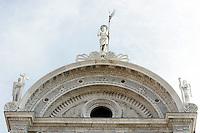 Il timpano ad arco sovrastante la facciata della Chiesa di San Zaccaria a Venezia.<br /> The tympanum of the Church of San Zaccaria (St. Zacharias) in Venice.<br /> UPDATE IMAGES PRESS/Riccardo De Luca