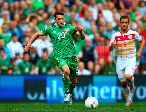 13.06.2015. Dublin, Ireland. Euro2016 Qualifying. Republic of Ireland versus Scotland. Wesley Hooligan (Rep. of Ireland) charges for the ball.