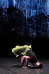 LA DOUCEUR PERMÉABLE DE LA ROSÉE<br /> <br /> Chorégraphie : Paco Dècina<br /> avec : Vincent Delétang, Jérémy Kouyoumdjian et Sylvère Lamotte<br /> création lumière : Laurent Schneegans<br /> création son : Fred Malle<br /> création vidéo : Serge Meyer<br /> Lieu : Theatre 71<br /> Ville : Malakoff<br /> Le 02/03/2015