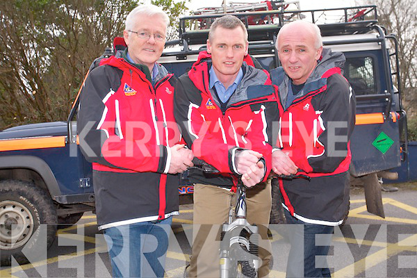 Kerry Mountain Rescue are calling on more cyclists to undertake the challenge in aid of their organisation who are hoping to buy a new vehicle. .L-R Christy McCarthy, Alan Wallace (assistant pro) and Mick Long (treasurer).