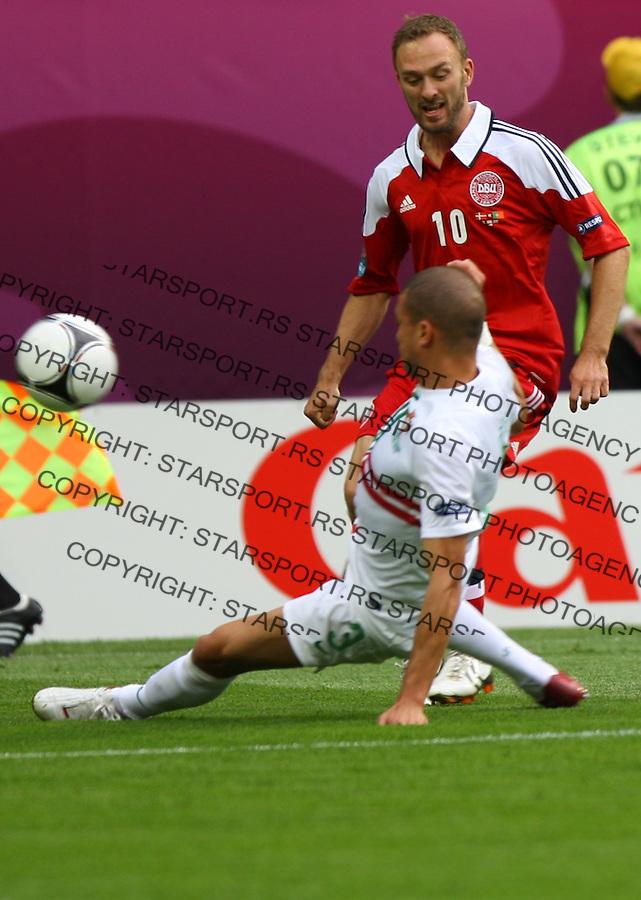 13.06.2012, LWOW, PILKA NOZNA, FOOTBALL, MISTRZOSTWA EUROPY W PILCE NOZNEJ, EURO 2012, FOOTBALL EUROPEAN CHAMPIONSHIP, DANIA - PORTUGALIA, DENMARK - PORTUGAL, DENNIS ROMMEDAHL (DEN), PEPE (POR), FOT. TOMASZ JASTRZEBOWSKI / FOTO OLIMPIK/NEWSPIX.PL.---.Newspix.pl