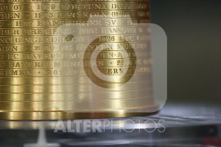 26.10.2010, Allianz Arena, Muenchen, GER, DFB Pokal, FC Bayern Muenchen vs SV Werder Bremen, im Bild Schriftzug Bayern auf DFB Pokal , Foto © nph / Straubmeier
