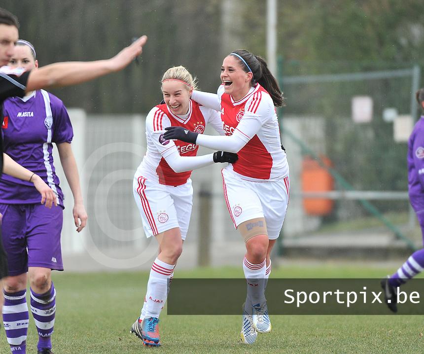 Beerschot Dames - AJAX Amsterdam Dames : Babiche Roof scoort de 1-0 voor Ajax en viert dit met Mandy Versteegt.foto JOKE VUYLSTEKE / Vrouwenteam.be