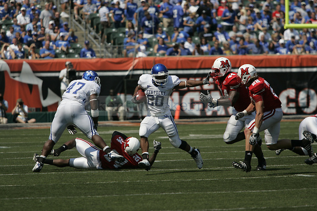 UK junior tailback Derrick Locke runs the ball the second half of their game against  Miami-Ohio on Saturday, Sept. 5, 2009 at Paul G. Brown Stadium in Cincinnati, Ohio. The Cats beat the Red Hawks 42-0. Photo by Allie Garza | Staff.