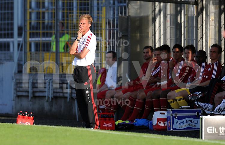 FUSSBALL  Regionalliga Sued     SAISON  2011/2012     12.08.2011 FC Bayern Muenchen II - FC Memmingen Trainer Andries Jonker (FC Bayern II)