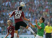 FUSSBALL   1. BUNDESLIGA   SAISON 2011/2012    8. SPIELTAG Hannover 96 - SV Werder Bremen                             02.10.2011 Mohmed ABDELLAOUE (li, Hannover) gegen Sokratis PAPASTATHOPOULOS (re, Bremen)