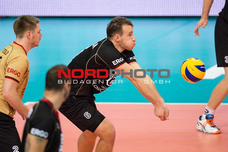 07.09.2014, Spodek, Kattowitz<br /> Volleyball, FIVB Volleyball Men`s World Championship 2014, Deutschland (GER) vs. Korea (KOR)<br /> <br /> Annahme Denis Kaliberda (#6 GER)<br /> <br />   Foto &copy; nordphoto / Kurth