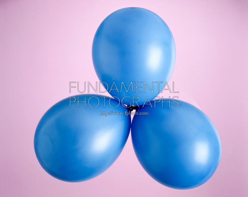 BALLOONS ADOPT LOWEST ENERGY ARRANGEMENT (2 of 3)<br /> Balloons tied together at their ends adopt lowest energy arrangement. Three balloons adopt trigonal planar arrangement.